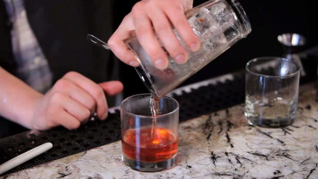 ZG. How to Make a Sazerac Cocktail Promo Image