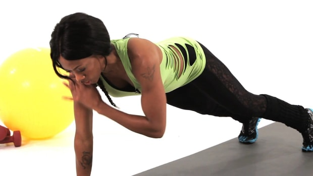 ZA. How to Do a Plank Tap Plyometric Exercise Promo Image