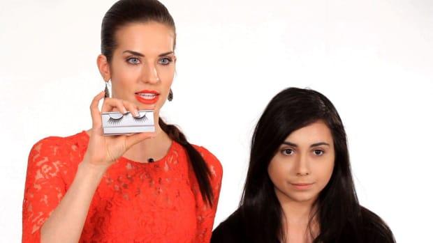 R. How to Apply False Eyelashes Promo Image