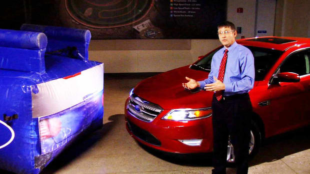ZH. How to Drive More Safely with the 2010 Ford Taurus Promo Image