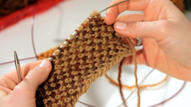 ZA. How to Do a Linen Stitch in Knitting Promo Image