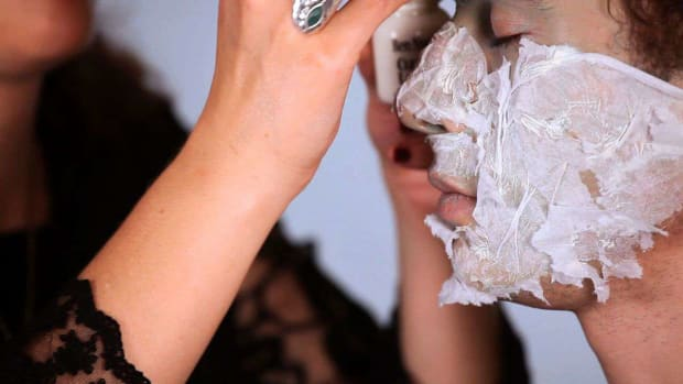 ZL. How to Do Special FX Zombie Makeup Using Tissue & Latex Promo Image