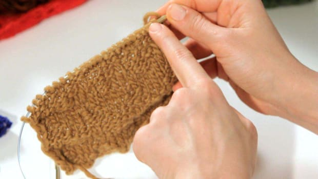 ZB. How to Do a Zig-Zag Stitch aka Chevron Stitch in Knitting Promo Image