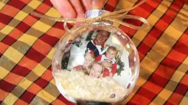 ZJ. How to Make Christmas Photo Ornaments Promo Image
