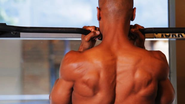 ZH. How to Do a Chin-Up for a Back Workout Promo Image