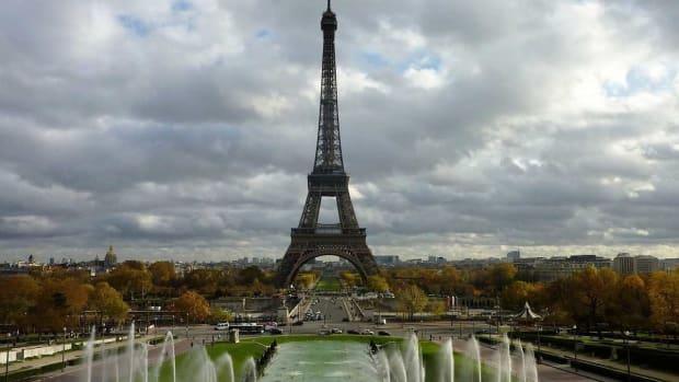 B. Top 6 Places to Visit in Paris Promo Image