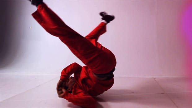 M. How to Do a Shoulder Spinout in Break Dancing Promo Image