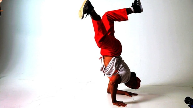 X. How to Do a Baby Freeze to an Elbow Freeze in Break Dancing Promo Image
