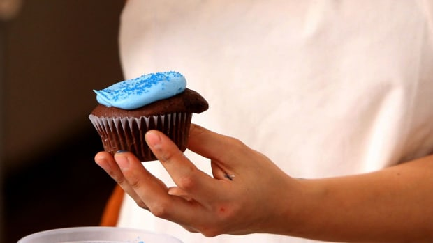G. How to Decorate Cupcakes for a Boy's Birthday Promo Image