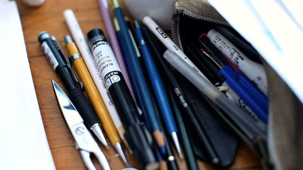 ZH. What Supplies Will You Need for Fashion Sketches? Promo Image