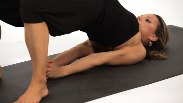 ZL. How to Do a Bridge Pose aka Setu Bandhasana in Yoga Promo Image