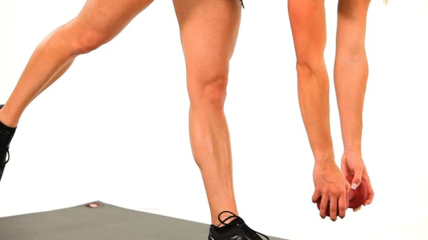 ZK. How to Do a Sexy Legs Work Out with an Injured Knee Promo Image