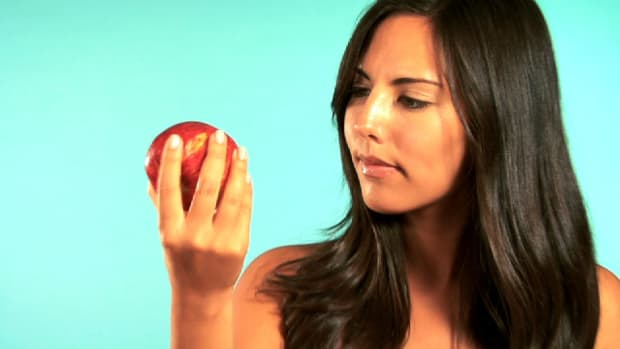 Z. Quick Tips: How to Tell If Fruit Is Fresh Promo Image
