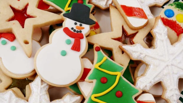 B. How to Decorate Christmas Sugar Cookies Promo Image