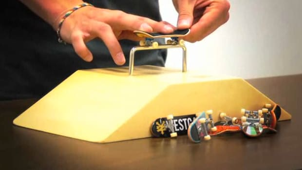 M. How to Do Basic Fingerboarding Grinds on a Tech Deck Promo Image