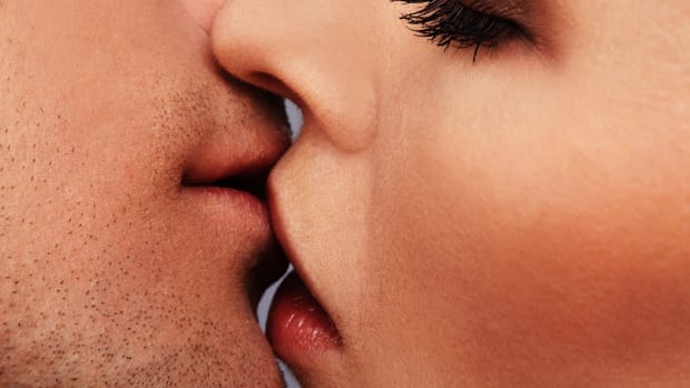 523-How-to-Kiss1