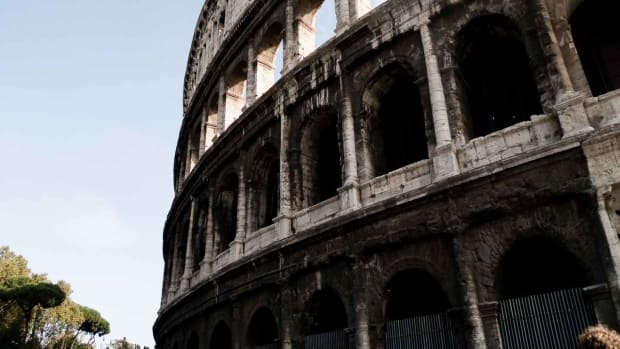 A. Top 5 Neighborhoods to Visit in Rome Promo Image