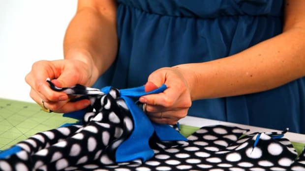 Z. How to Tie a No-Sew Fleece Blanket Together with Knots Promo Image