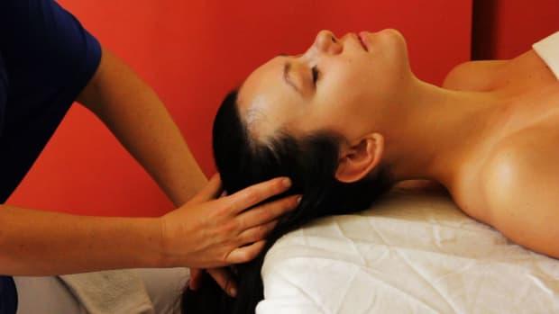 A. What Is Ayurvedic Body Massage aka Abhyanga? Promo Image