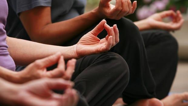 O. How to Combine Meditation & Yoga Promo Image