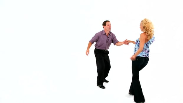 W. How to Do Lindy Swivels in Swing Dance Promo Image