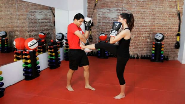 U. How to Do a Kickboxing Front Kick Defense Promo Image
