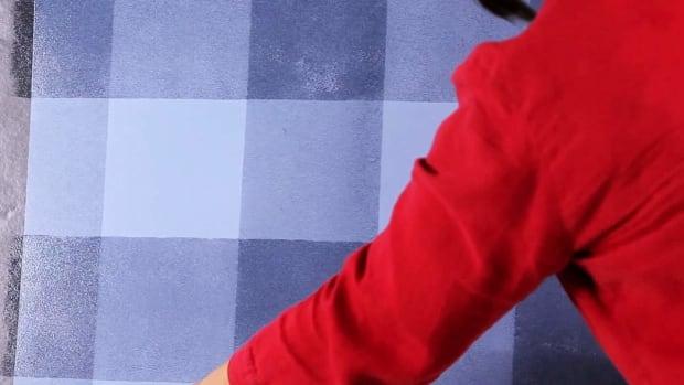L. How to Paint Horizontal Plaid Stripes Promo Image