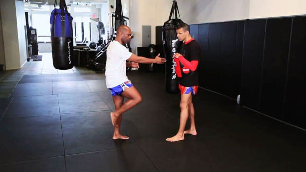 ZC. How to Knee Strike in Muay Thai Kickboxing Promo Image