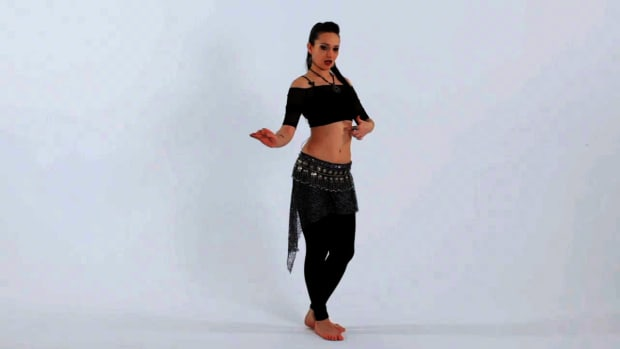 M. How to Do a Traveling Undulation in Belly Dancing Promo Image