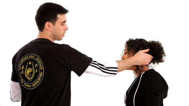 M. How to Do an Ear Clap in Self-Defense Promo Image