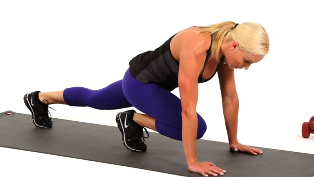 O. How to Do Mountain Climbers & Leg Drives for a Leg Workout Promo Image
