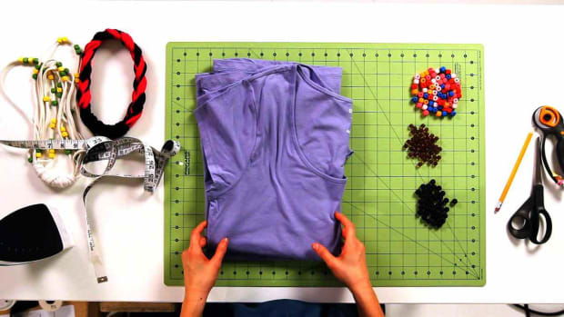 A. How to Pick an Old T-Shirt to Turn into a No-Sew Necklace Promo Image