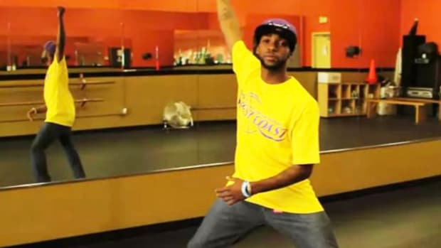 M. How to Do an Arm Swing in Krumping Promo Image