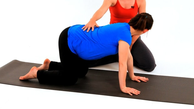 ZA. How to Do Wag the Dog Pose for Prenatal Yoga Workout Promo Image