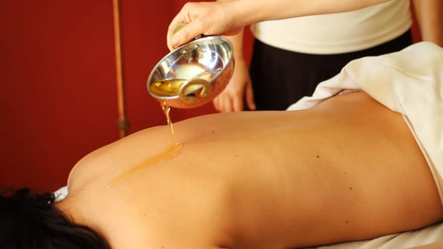 H. How to Use Massage Oil in an Ayurvedic Massage Promo Image