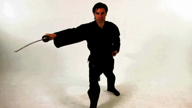 ZE. How to Do a Vertical Katana Draw Strike in Sword Fighting Promo Image