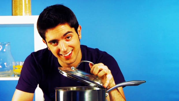 ZH. Quick Tips: How to Keep Cabbage from Stinking Up Your Kitchen Promo Image