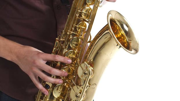 ZH. Play D Flat / C Sharp Major Scale & B Flat Minor on the Sax Promo Image