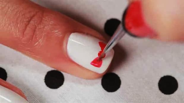 O. How to Create a Polka Dot Bow Nail Art Design Promo Image