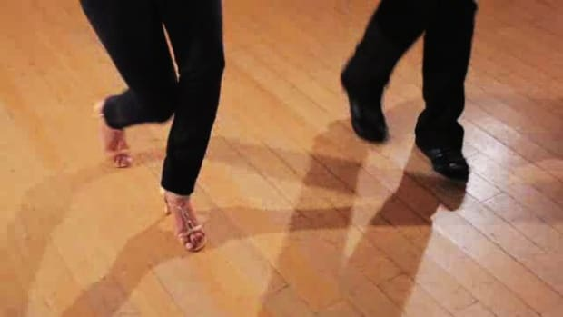 E. How to Do the Basic Style in Salsa Dance Promo Image