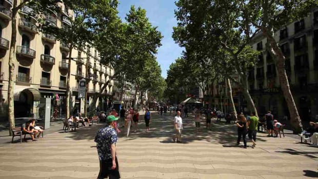 ZP. How to See Barcelona like a Local Promo Image
