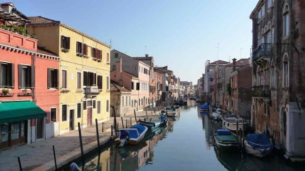 A. Top 7 Neighborhoods to Visit in Venice Promo Image