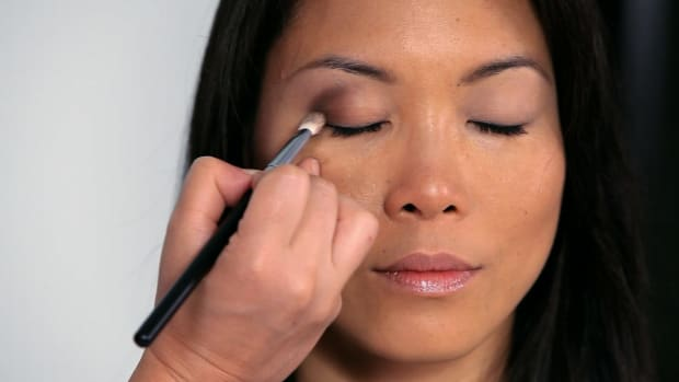 R. How to Create Double Eyelids for Asian Makeup Promo Image