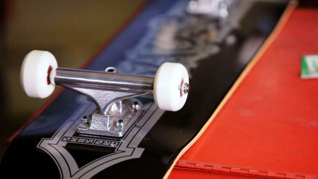 R. How to Use Skateboard Mounting Hardware Promo Image