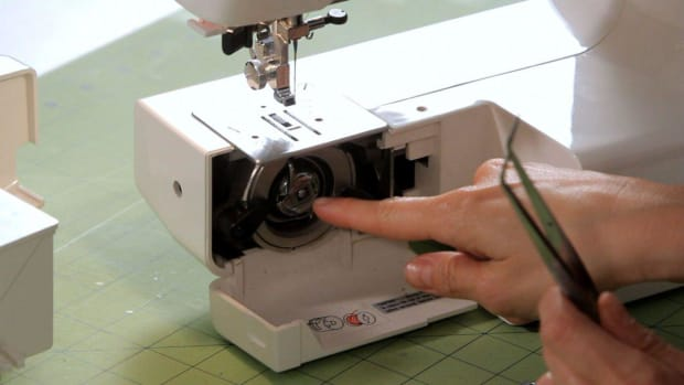 ZF. How to Fix a Thread Jam in a Sewing Machine Promo Image