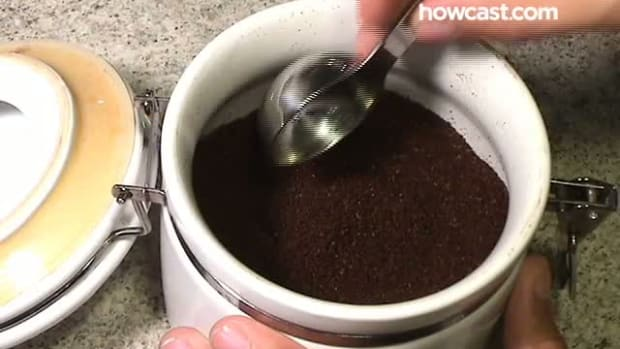 M. How to Make Coffee in a Coffee Maker Promo Image