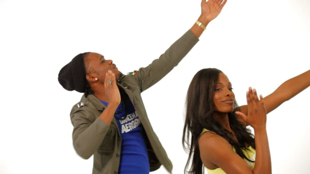 K. How to Do the Thunder Clap in Reggae Dancehall Promo Image