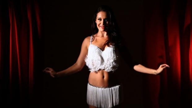 J. How to Do the Burlesque Quiver Promo Image