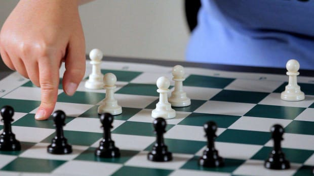 T. How to Understand Pawn Structure in Chess Promo Image