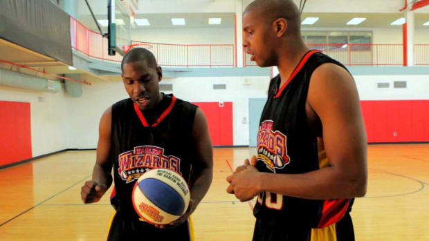 O. How to Become a Good Shooting Guard in Basketball Promo Image